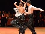 Tančení salsy na večírku