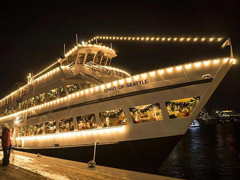 Firemní večírek na lodi