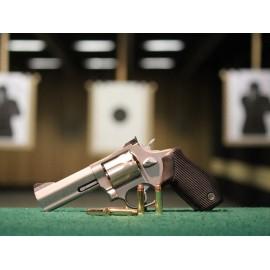 Střelba z revolveru 357 Magnum