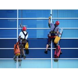 Výškový pracovník - průmyslový lezec