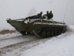 Jízda ve vyprošťovacím tanku VT-55