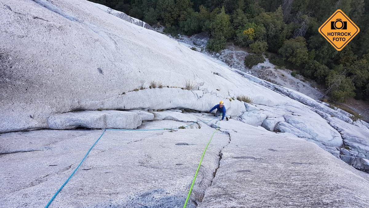 Cesta Goodrich Pinnacle, Right 5.9 R na Glacier Point Apron