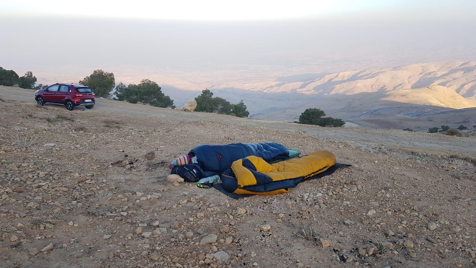 Spaní na hoře Nebo